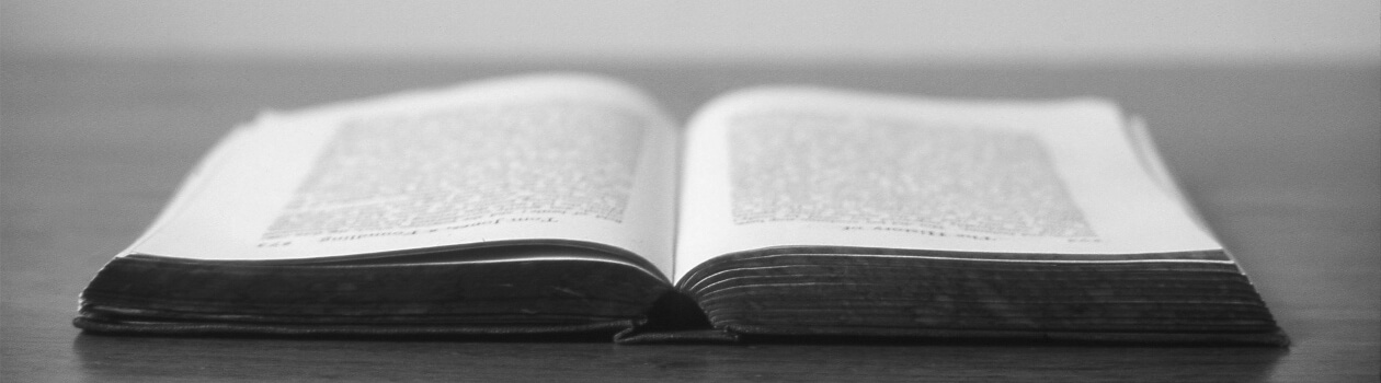 Rezensionen & Buchbesprechungen